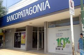 Imputación de cargos al  Banco Patagonia y a la Compañía de Seguros SURA
