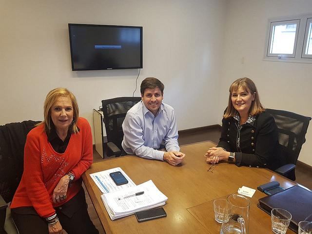 En Anses con el Secretario Legal y Técnico, Gonzalo Estivariz, por la quita de la zona desfavorable en las asignaciones familiares