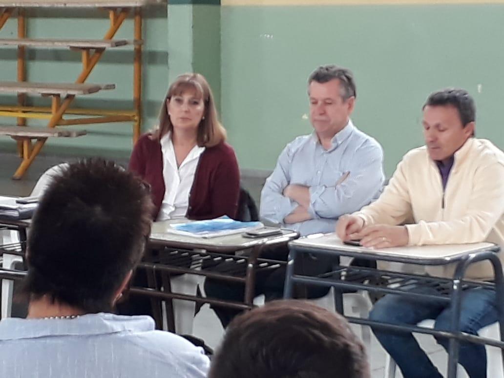 Chichinales: La Defensoría del Pueblo y el EPRE dieron a conocer las acciones llevadas adelante a partir de reclamos de los vecinos referidos al deficiente servicio de la empresa EDERSA