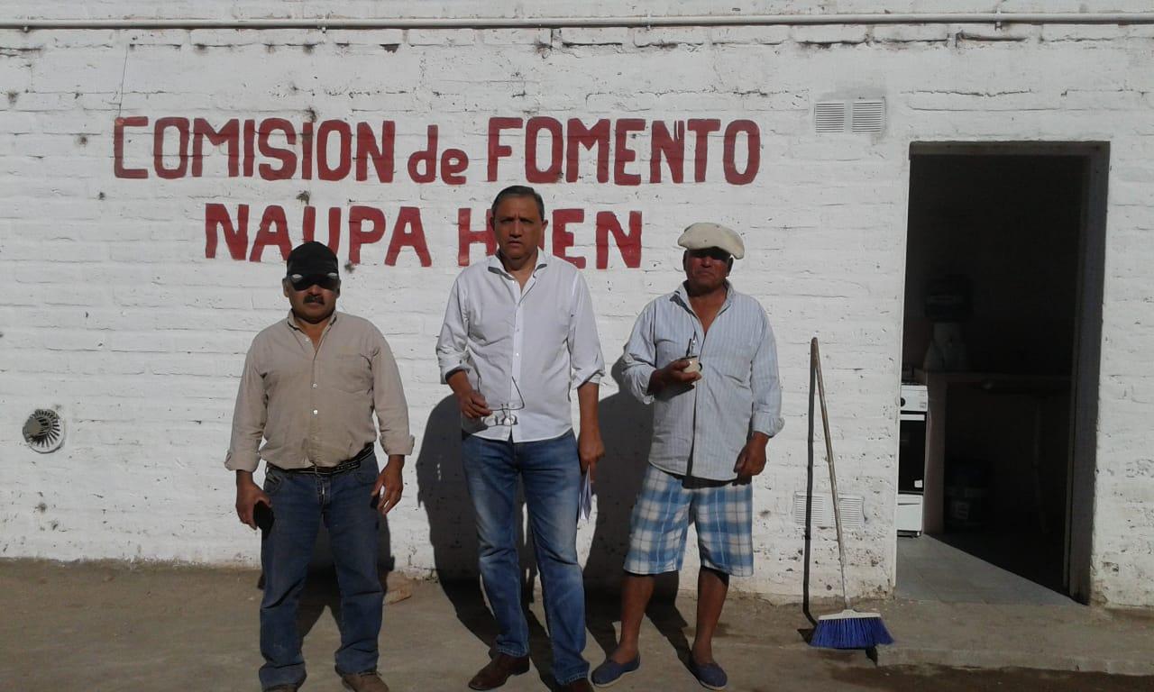 Domínguez  visitó a los vecinos de Aguada Guzmán y Naupa Huen.