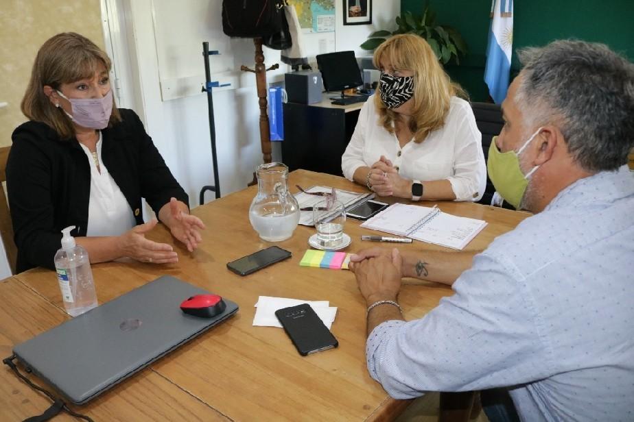 La defensora del pueblo se reunió con la ministra de Educación. Conversaron sobre el inicio del ciclo escolar 2021.